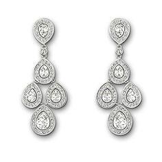 Super elegant earrings for the bride. We love!