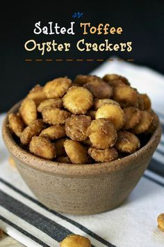Salted Toffee Oyster Crackers are a sweet, salty, crunchy snack. Best you can… Salted Toffee Oyster Crackers are a sweet, salty, crunchy snack. Best you can't eat just one. Yummy Snacks, Delicious Desserts, Snack Recipes, Cooking Recipes, Yummy Food, Best Snacks, Healthy Crunchy Snacks, Oreo Dessert, Chex Mix
