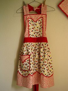 i hope this doesn't have cherries on it.. i don't really like cherry print.. anything..