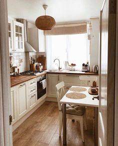 Kitchen Design Ideas – IDEA OF DECORATION You can reach the web pages of the products by clicking the photos on the page. Kitchen Room Design, Diy Kitchen Decor, Interior Design Kitchen, Kitchen Furniture, Kitchen Rustic, Küchen Design, Design Ideas, Wood Design, Apartment Kitchen