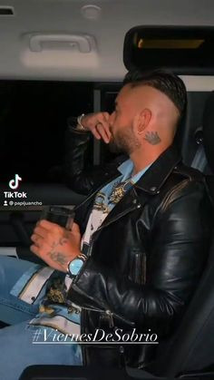 Maluma Style, Papi, Perfect Man, Videos, Style Inspiration, Mens Fashion, Men's Style, Board, Pictures