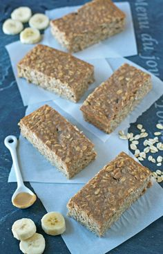 Peanut Butter Oatmeal Breakfast Bars-make these and keep them in my office!