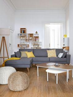 Amenajari moderne de living - starea de bine incepe aici- Inspiratie in amenajarea casei - www.povesteacasei.ro