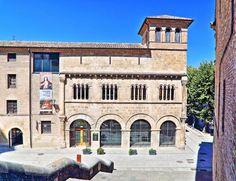 Palacio de los Reyes de Navarra, Estella - Lizarra - También conocido como Palacio de los Duques de Granada de Ega, Románico Civil, S. XII