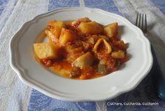 Cuchara, cucharilla, cucharón: Calamares en salsa de tomate y pimiento