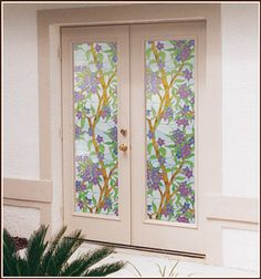 This Tiffany inspired design is a stylish way to enjoy the relaxing colors of nature. Biscayne Privacy stained glass decorative window film obscures visibility through the glass day and night.