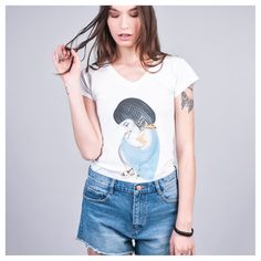 Walking like an Egyptian  Cleopatra T-shirt by Siamoises