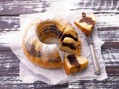 Tiikerikakku on yksi suosituimmista ja tunnetuimmista kahvikakuista. Sitä rakastavat lapset ja aikuiset. Mariannen nimikkokakku on piparmintun makuinen. Mausteisen tiikerinkakun (ks. alaohje) salaisuus on raitataikinan kaneli- tai kardemummalisäyksessä. Leivo itselle tai lahjaksi. Finnish Recipes, Sweet Pastries, Something Sweet, Sweet Tooth, Food And Drink, Bread, Baking, Ethnic Recipes, Kaneli