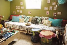 pallet couch/bed: twin bed on top - idea for reading couch in school room