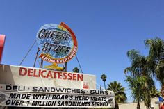 If comfort food's your kick, head to one of these classic #local spots in #Phoenix. #EatLocal