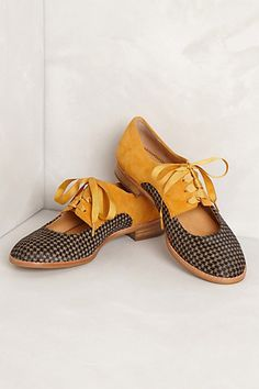 yellow and black houndstooth cut out oxfords. yes, please!!!