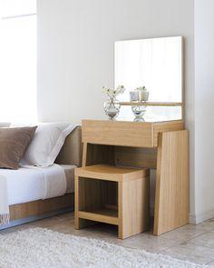 ドレッサー&ミラー Dressing Table Design, House Interiors, Nightstand, Furniture, Home Decor, Decoration Home, Room Decor, Night Stand, Home Furnishings