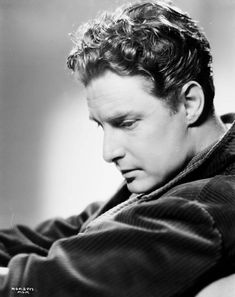 Robert Donat Hollywood Glamour, Hollywood Stars, Classic Hollywood, Robert Donat, Beautiful Voice, Classic Films, Best Actor, Golden Age, Movie Stars