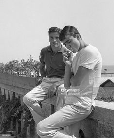 """Pier Paolo Pasolini and Ettore Garofalo during filming of """"Mamma Roma"""", Guy Smoking Cigarette, Pier Paolo Pasolini, Ivy Style, Maria Callas, Male Eyes, Black And White Style, Film Director, Italian Style, New Life"""