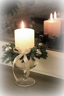 DIY - zrób to sam na Stylowi.pl Christmas Candles, Christmas Decorations, Table Decorations, Seasonal Decor, Decor Crafts, Pillar Candles, Holiday Crafts, Christmas Time, Flower Arrangements