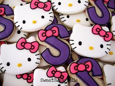 Look at these super cute Hello Kitty! cookies.  I love them.  I secretly wish I could still have hello kitty stuff!