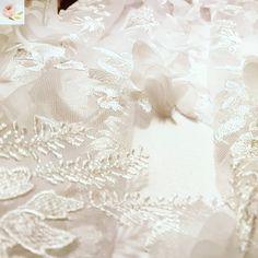 Ma egy ROSE 🌹 ruhát készítünk egy ici-pici kislány keresztelőjére. Puha pamut bélés, apró gombok, pamutszatén felsőrész, muszlin rózsákkal… Christening, Special Occasion, Kids Outfits, Girls Dresses, Wedding, Design, Dresses Of Girls, Valentines Day Weddings
