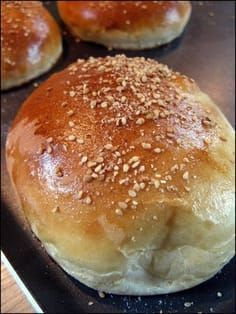 Magic recipe for hamburger buns prepared in 40 min. Good if you wish to eat home made hamburgers with out having to go 2 or three hours upfront as a traditional recipe, additionally good for making an attempt buns or for breakfast. Cooking Chef, Cooking Recipes, Dog Bread, Yeast Bread, Brunch, Mini Burgers, Magic Recipe, Hamburger Buns, Hamburger Recipes