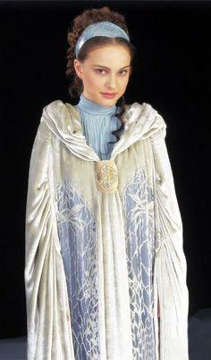 """Star Wars"" -- Padme Amidala (Natalie Portman) Return Home Dress with Cloak Star Wars Padme, Amidala Star Wars, Queen Amidala, Film Star Wars, Theme Star Wars, Star Wars Art, Natalie Portman, Star Wars Characters, Star Wars Episodes"