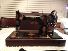 1923 Singer model 128 with knee control. After photo.