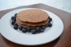 Chocolate peanut butter protein pancakes http://runeatplayblog.com
