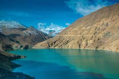 Nieuw in mijn Werk aan de Muur shop: Uitzicht op de bergen bij het Yamdrokmeer, Tibet
