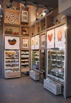 Pret A Manger by urbancottageindustries Supermarket Design, Retail Store Design, Deco Restaurant, Restaurant Design, Shop Signage, Food Retail, Pharmacy Design, Fruit Shop, Retail Interior