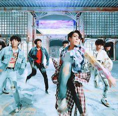 BTS (방탄소년단) 'FAKE LOVE' Official MV #JUNGKOOK