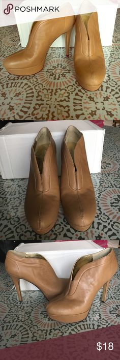 Nine West heels size 7 Nine West lightly worn heels size 7. These are in great condition! There is a small minor mark on the back of the shoe. Nothing terrible. These are beautiful heels! Nine West Shoes Heels
