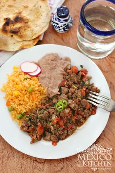 This Easy Mexican Ground Beef recipe is also quick to make; ✔️ you can make it in a matter of minutes and its packed with lots of flavors. Authentic Mexican Recipes, Mexican Food Recipes, Dinner Recipes, Mexican Meals, Soup Recipes, Carne Molida Recipe, Healthy Eating Tips, Healthy Recipes, Burritos