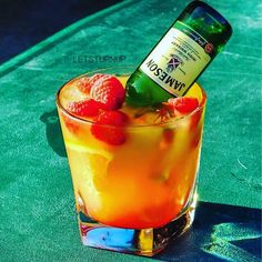 Raspberry Dream! ▃▃▃▃▃▃▃▃▃▃▃▃▃▃▃▃▃ 1 oz. Raspberry Rum 1/2 oz. Peach Schnapps 2 oz. Orange Juice Splash of Grenadine Raspberries Orange Slices Mini Jameson Bottle  Credit @letsturnup