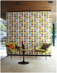 MULTI STEM WALLPAPER This iconic Orla Kiely design makes a real statement on a feature wall. This orginal colour of he multi stem looks great teamed with retro furniture. Harlequin Wallpaper, Retro Wallpaper, Wall Wallpaper, Pattern Wallpaper, Wallpaper Online, Wallpaper Awesome, Feature Wallpaper, Temporary Wallpaper, Kitchen Wallpaper