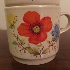 "Vintage 1970s Set of Three (3) Johnson of Australia Coffee Mugs Featuring the pattern ""Happy Days"" / Retro Australian Mugs by V1NTA6EJO"