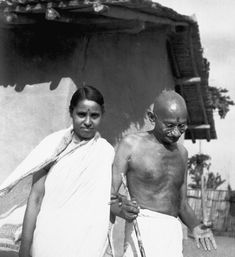 Mahatma Gandhi's Birth Anniversary: 100 Rare Photos You Must See Life Of Mahatma Gandhi, Mahatma Gandhi Photos, Indian Pictures, Rare Pictures, Rare Photos, History Of India, History Pics, Freedom Fighters Of India, Joshua Wong