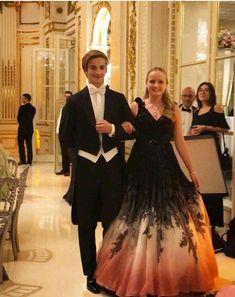 Royal Photography, Casa Real, Portuguese, Formal Dresses, Wedding Dresses, Royals, Diana, Mothers, Queens