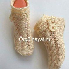 Dowry Weave Nadeln, tunesisch, gehäkelt) Booties Models-Samples «… – My CMS Irish Crochet Patterns, Crochet Baby Dress Pattern, Baby Knitting Patterns, Knitting Blogs, Knitting Stitches, Knitting Socks, Free Knitting, Woolen Socks, Knitted Slippers