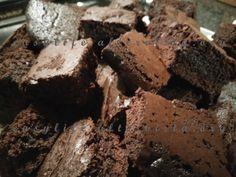 I brownies sono dei buonissimi dolcetti al cioccolato che arrivano dagli Stati Uniti! Questa è la ricetta originale, fatta però con il Bimby!Leggi ancora...
