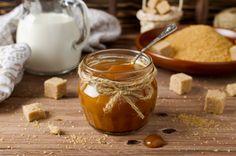 Így lesz tökéletes a karamell | Mindmegette.hu Venezuelan Food, Recipe For 4, Sweets Recipes, Moscow Mule Mugs, Mousse, Deserts, Pudding, Baking, Tableware