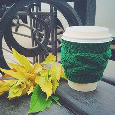 Иркутяне, хорошие новости! Уже в конце этой недели ищите вязаные капхолдеры от @knitmyday в фургончике @_morecoffee_ ☺️  Уютные мягкие капхолдеры согреют ваши руки в осенние холода, а вкусный кофе взбодрит и поднимет настроение☕️ #byknitmyday