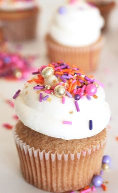 Bright white creamy, dreamy, buttery frosting recipe perfect base buttercream for any cupcake flavor! Get the easy recipe and rock all of your cupcake adventures! Cupcake Toppings, Cupcake Flavors, Cupcake Recipes, Cupcake Cakes, Dessert Recipes, Desserts, Cupcake Ideas, Cookie Ideas, Cup Cakes