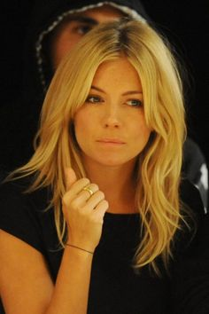 Sienna miller .. always love her hair