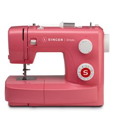 Learning to sew is fun and easy with the SINGER 3223R SIMPLE sewing machine, created with beginner sewers in mind. This sewing machine will give you all of the foundational features you need to get of