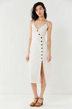 Slide View: 2: UO Amber Button-Down Linen Midi Dress