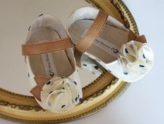 Baby Shoes Soft SoledPeek a Boo Polka Dot Size 14 by BitsyBlossom, $30.00