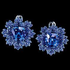 Centaury Earrings 18K white gold 2 tanzanites 25,39 ct 625 sapphires 6,62 ct