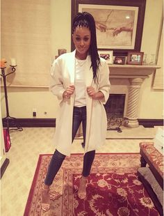 splurge-tia-mowry-hardicts-l-a-lakers-game-theory-jaho-blazer-and-frame-skinny-jeans-3