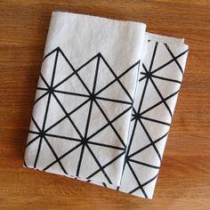 Grid Napkin Set Black by Piano Nobile