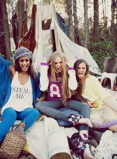Take yourself away on a nature loving adventure in the latest collection by Wildfox Gypsy. Think wanderlust vibes exploring hidden mountain tracks, discovering serene riverbeds. Enjoy picnics in comfortable oversized sweaters where you are surrounded by endless amounts of nourishing food and never ending laughter with those who find nature as magical as you do.