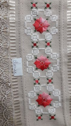 Hand Embroidery Design Patterns, Embroidery Flowers Pattern, Flower Patterns, Cross Stitch Heart, Cross Stitch Borders, Crochet Bedspread, Hardanger Embroidery, Straight Stitch, Bargello