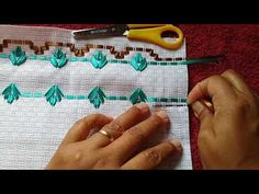 BARRINHA LINDA E MUITO FÀCIL : vagonite em fitas parte 1/2 modelo 56 - YouTube Swedish Weaving Patterns, Ribbon Embroidery, Coin Purse, Wallet, Sewing, 1, Youtube, Tape Art, Ribbon Crafts